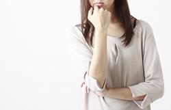 子宮頸管にポリープが見つかった。自覚症状はないが、切除すべきか?
