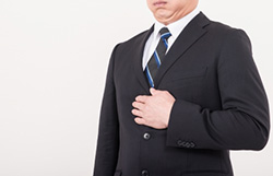 健診で「胃下垂」を指摘された。治療しなくても大丈夫か?
