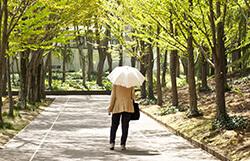 少し歩いただけで息切れがする。年のせい? それとも心臓の病気?